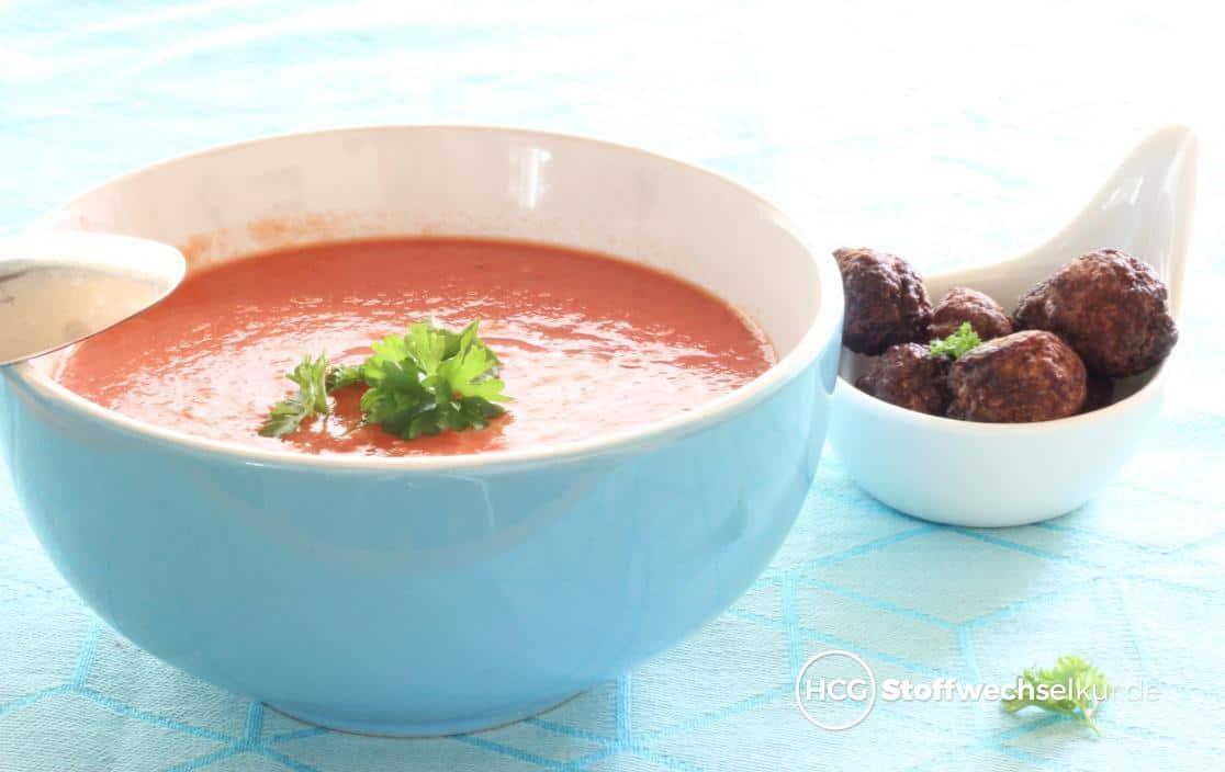 cremige tomatensuppe mit thymian und tatarb llchen hcg stoffwechselkur. Black Bedroom Furniture Sets. Home Design Ideas