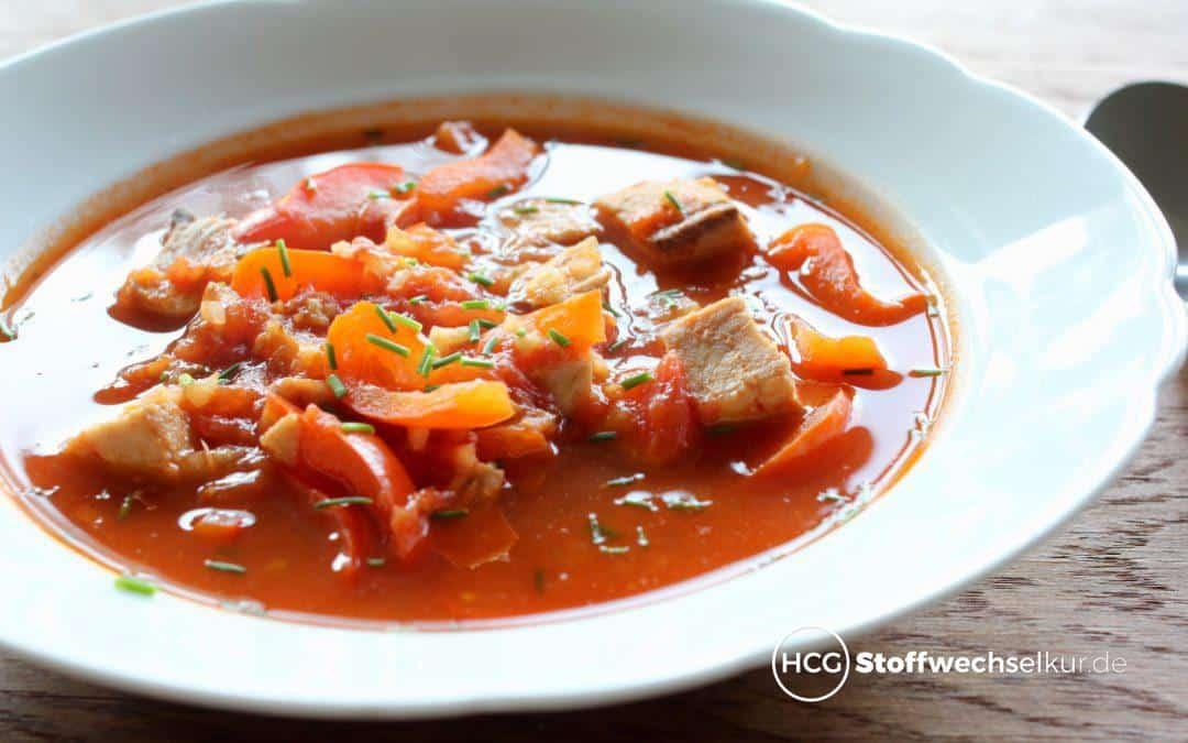 Rote Fischsuppe mit Wildlachs und Paprika