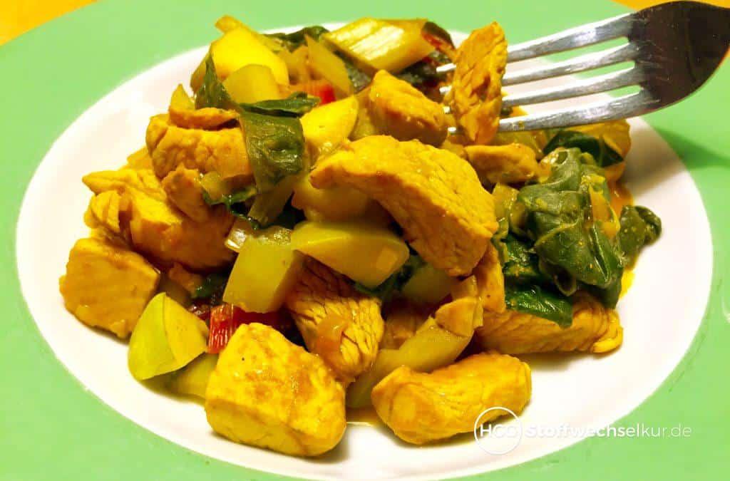 Fruchtiges Hähnchencurry mit Mangold