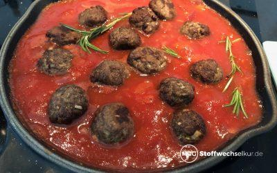 Hackfleisch-Bällchen in fruchtiger Tomatensauce